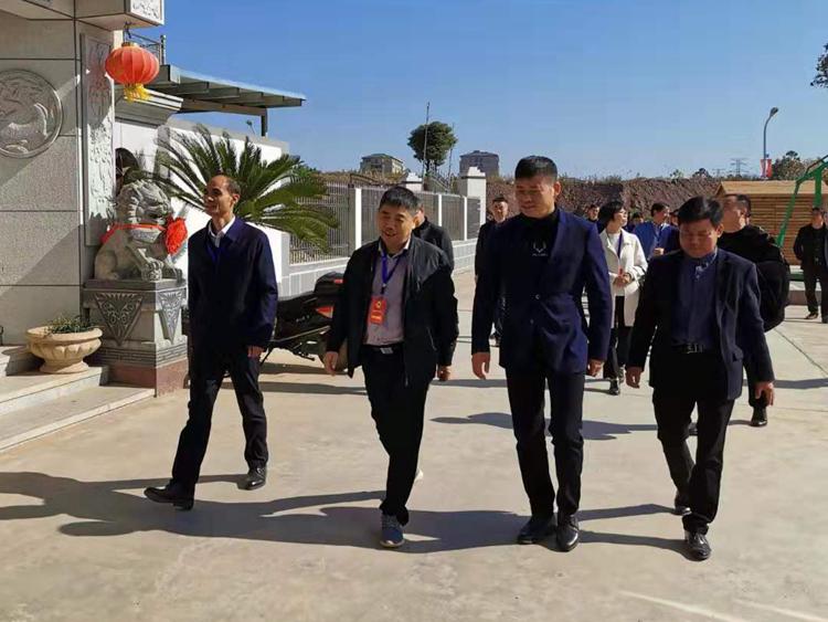 昌江区人大主任视察古城村蛇垄里新农村建设